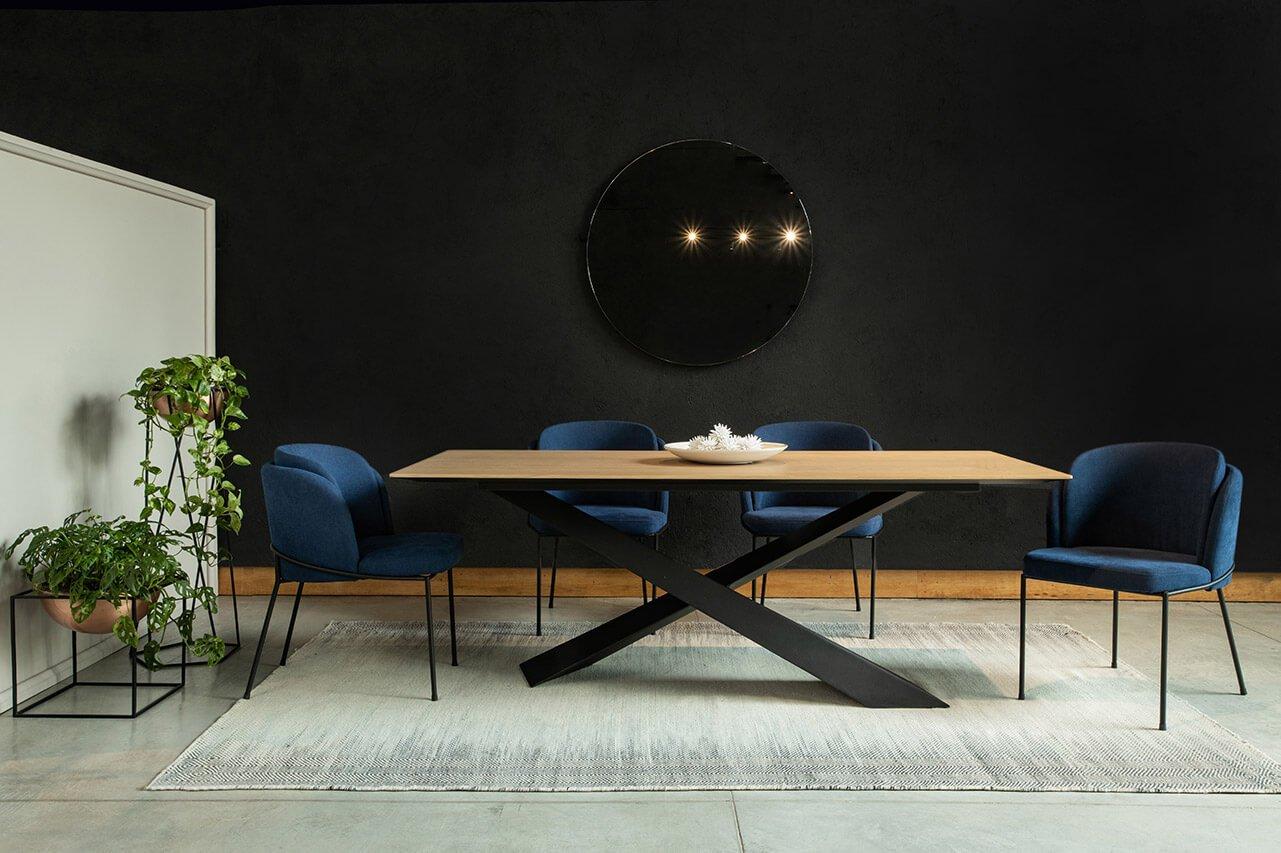 silla-y-mesa-de-comedor-roma-espacio-blanco-2